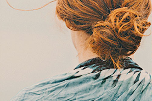 Minimalist summer hair care routine
