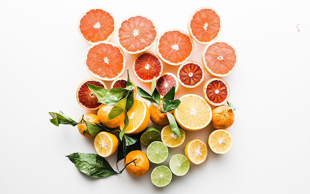 smells that make you feel happy: citrus fruits
