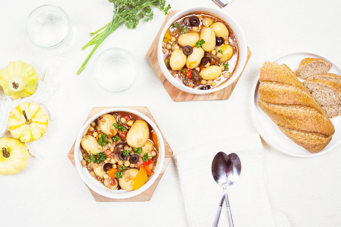 Slow Cooker Chickpea Cacciatore with Potatoes