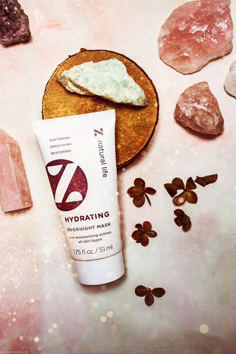 Simple Vegan skincare routine: Hydrating Overnight Mask
