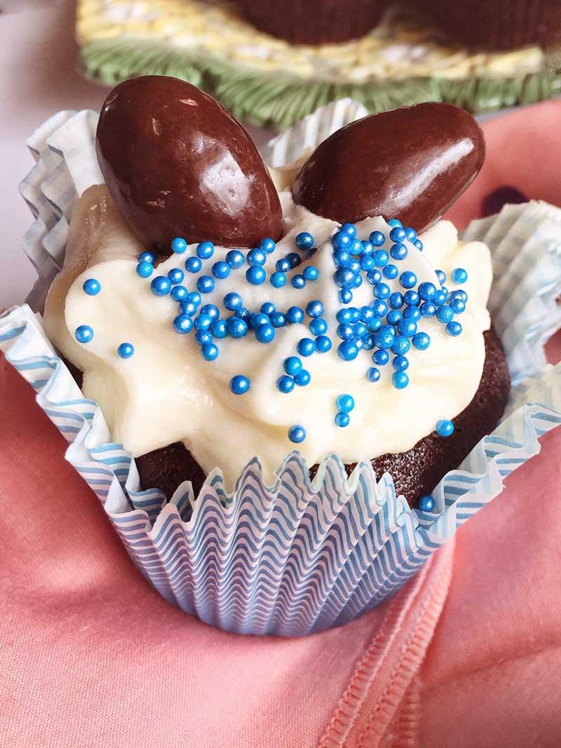 Your ultimate Easter dessert: Vegan Creme Egg Cupcakes
