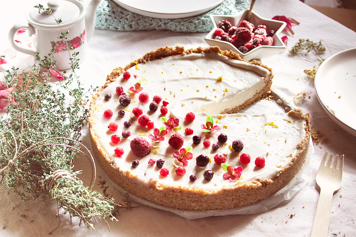 Nut-free, no-bake, easy Vegan cheesecake: the perfect dessert for any occasion