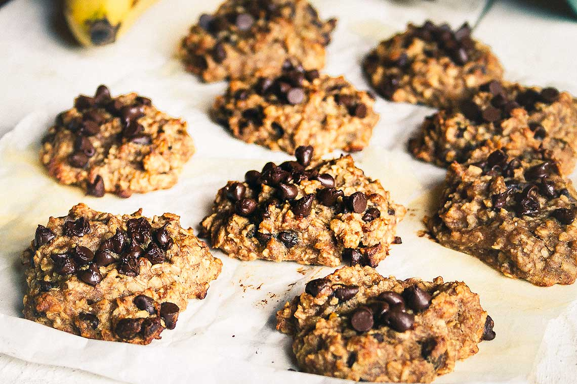 Craving something sweet? Try these flourless 3-ingredient cookies