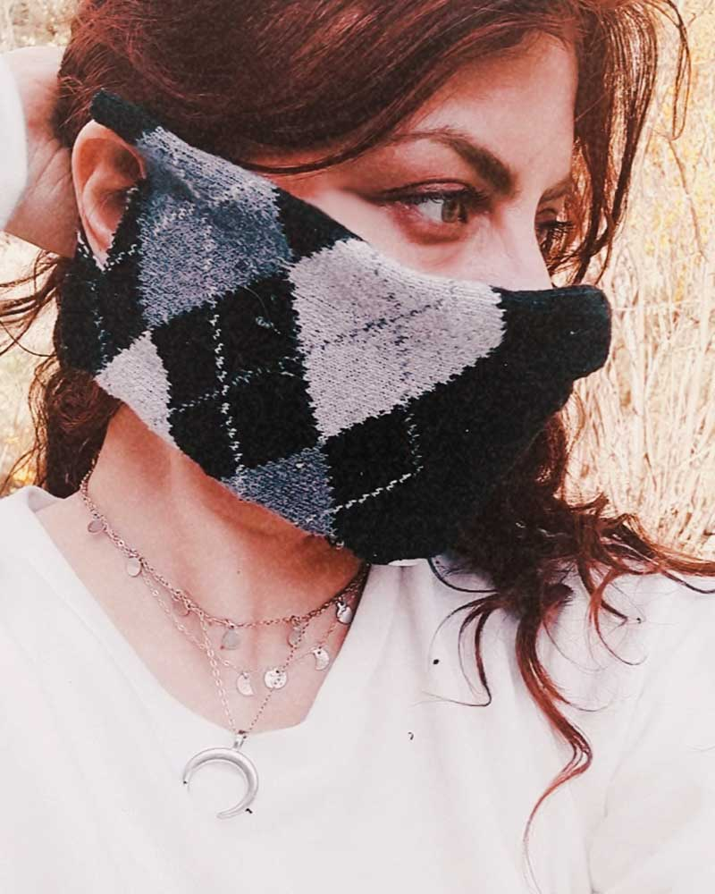 DIY no-sew face mask with a sock, an old cotton t-shirt